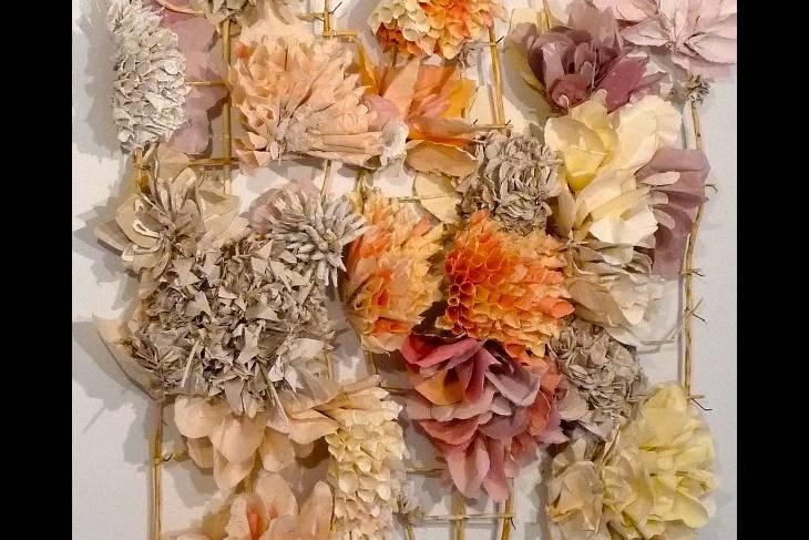 Ceramics. Rebecca Hutchinson. Paperclay: A Sculptural Approach