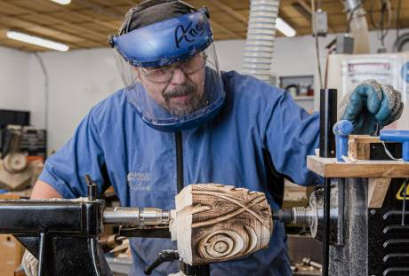woor carving, lathe carving