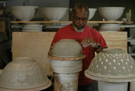 Ceramics. David MacDonald. Decorating Leather-Hard Clay