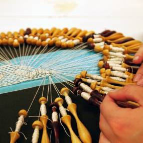 Fiber & Baskets. Crystal Gregory. Basics of Bobbin Lace