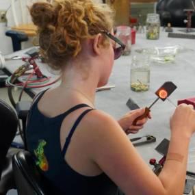 flameworking, learn flameworking, boro glass, glass sculpture, glass beads