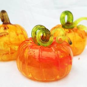 Jesse Rasid, Beginner Glassblowing: Pumpkin Mayhem