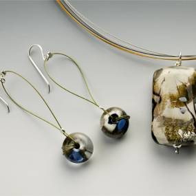 Glass. Cynthia Saari. Glass Beads to Fine Jewelry