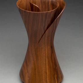 Woodworking. Keith Tompkins. Turning a Winged Bowl