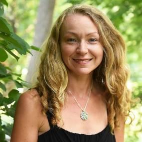 Christine Kenneally