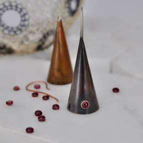 Elizabeth Tokoly, Stones and Cones: 2 Techniques for Metal Jewelry